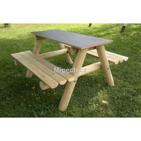 Stůl se dvěma lavicemi