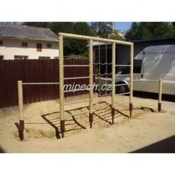 Kombinovaná cvičná stěna 2x hrazda, 2 x žebřík, řetězová síť, výška 2,1 m